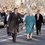 波灣戰爭後 老布希為何支持度溜滑梯 丟掉白宮?