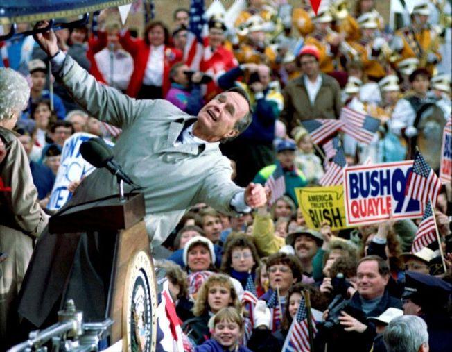 老布希私底下幽默風趣又妙語如珠,但在公開場合卻習於為自己塑造拘謹、枯燥乏味的「老父親」公眾形象。 路透