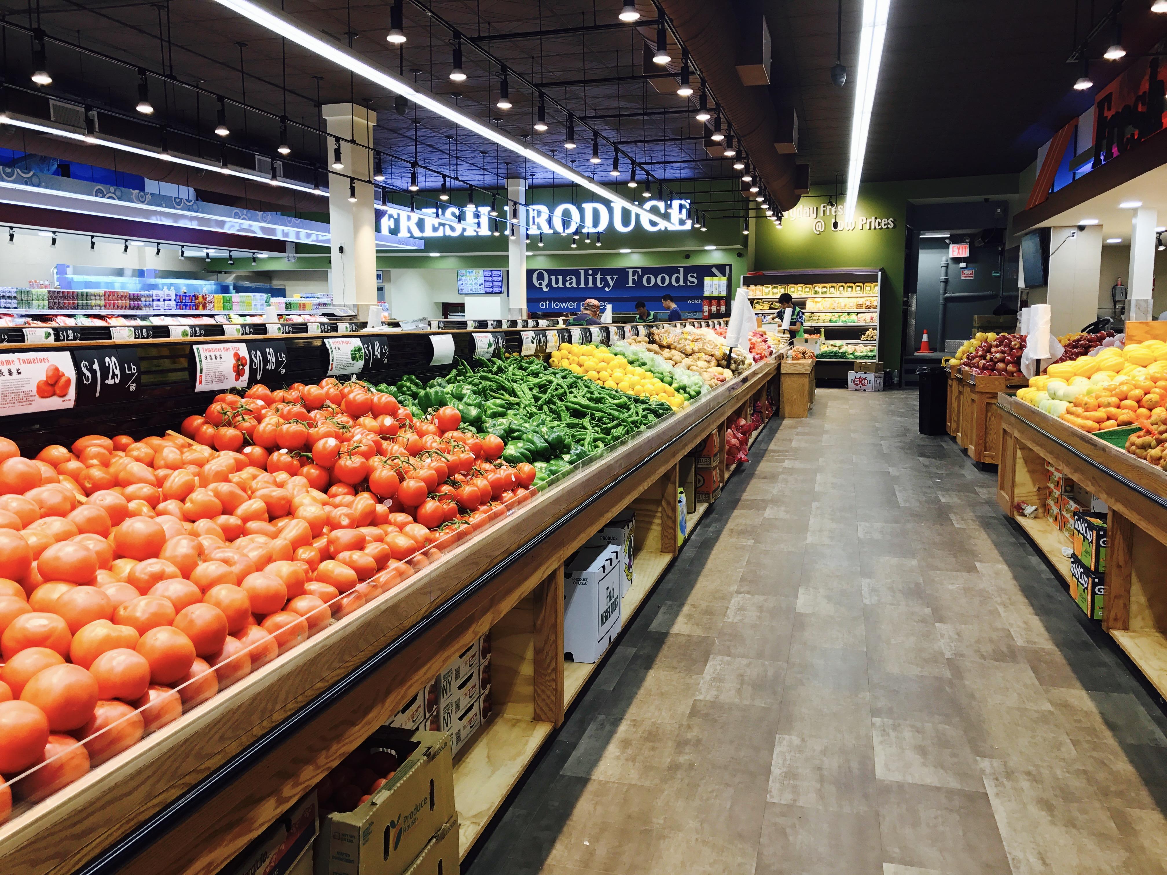 大中華超市店內一景。