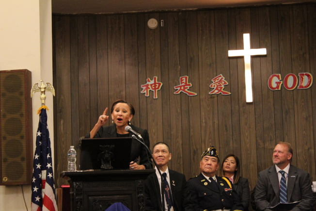 維樂貴絲表示,以李美步命名華埠郵局,目的是讓華埠居民熟知她的故事。(記者張筠/攝影)
