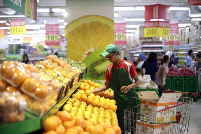 華人超市成為美國華人社區的「必要配件」。(EPA)