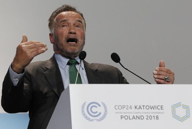 前加州州長、好萊塢明星阿諾,3日在波蘭的聯合國氣候變遷會議上疾呼地球暖化的危機。(美聯社)