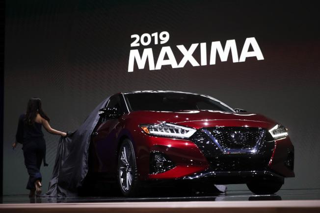 日產千里馬(Maxima)是由馬自達3改造後的升級版。(美聯社)