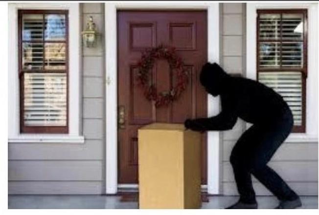 感恩節至聖誕節期間的購物季,通常是各家遞送公司最忙的時候,也是網購包裹失竊最頻繁的高峰期。(本報檔案照)