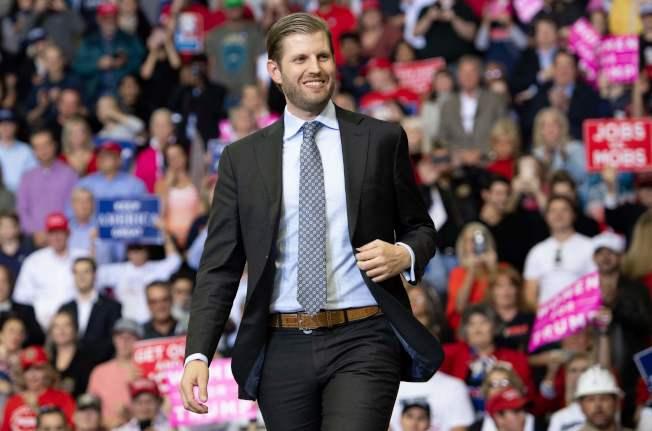 川普總統的小兒子艾瑞克與白宮高級顧問康威的丈夫喬治康威在推特打起口水戰。(Getty Images)