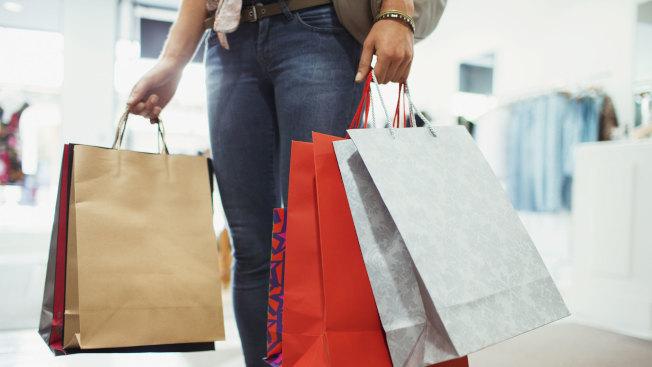 憤怒、孤單、挫折、怒氣等負面情緒,都可能誘發失控購物。(Getty Images)