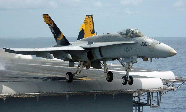 图为F/A-18D Hornet大黄蜂战斗 图/撷取自维基百科