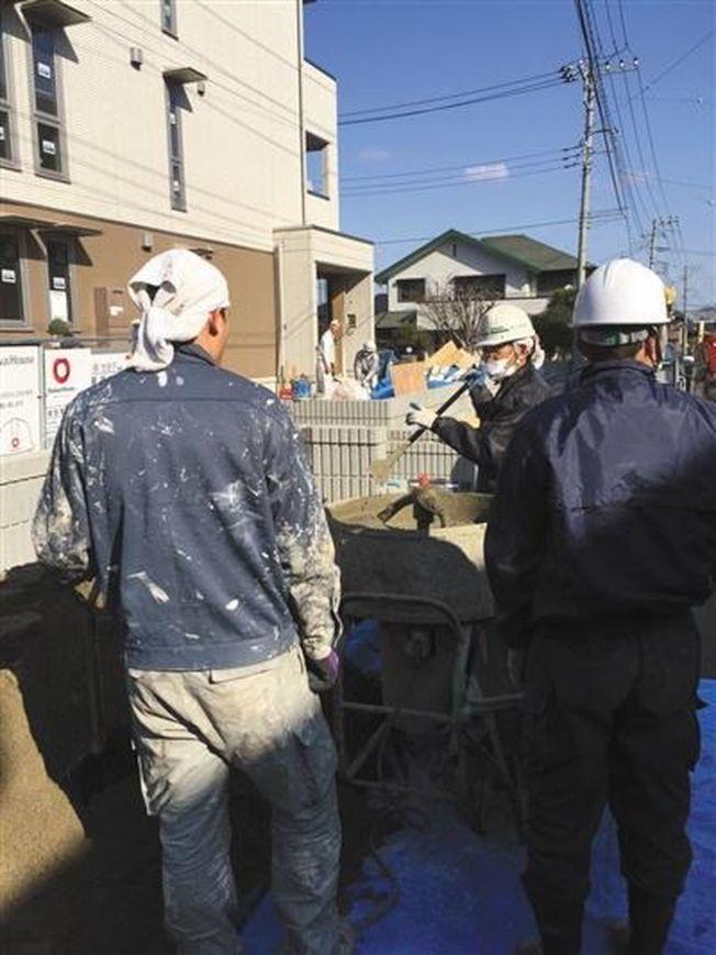 中國人在日本打黑工被逮。(取材自新京報)