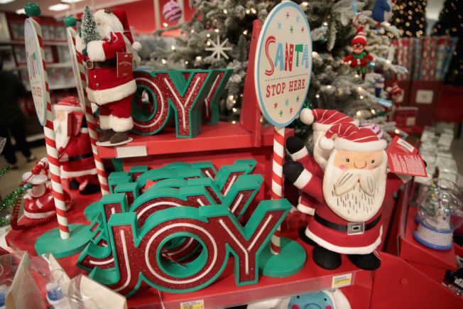 聖誕裝飾等項目也要注意預算控制。(Getty Images)