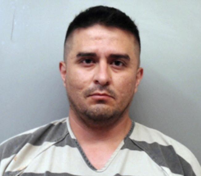 邊境巡邏員奧提茲向調查員承認,他殺死四名妓女,是因他認為她們毫無用處,並認為這樣是為德州邊境城市做了一些好事,因此被控蓄意謀殺罪。(美聯社)