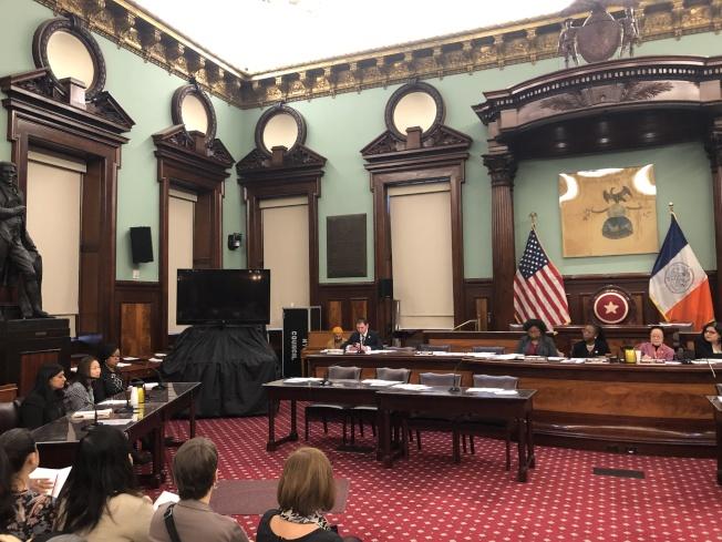 市議會老人委員會(Committee on Aging)和公共住房委員會(Committee on Public Housing)5日舉行公聽會(記者金春香/攝影)
