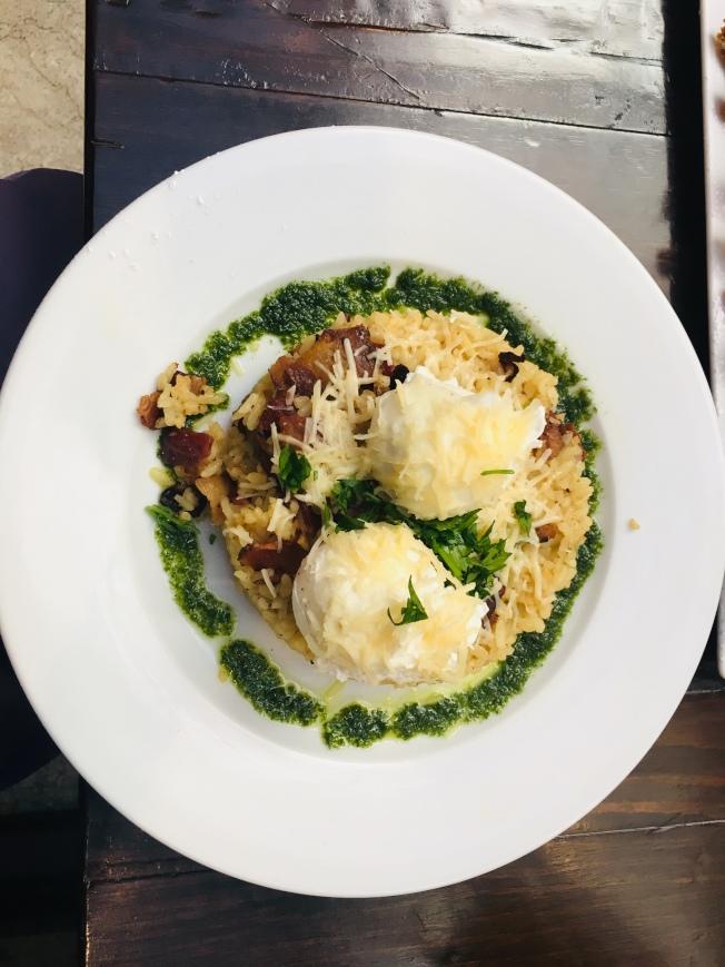喜歡吃米飯,可以試試這道培根蛋奶油燉飯Brunch Carbonara。(記者林佩錦╱攝影)