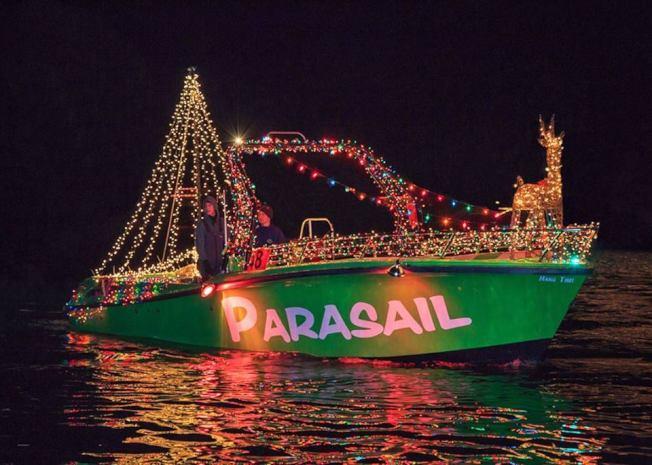 灯船上的布置充满浓浓耶诞气息。(取自官方脸书)