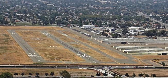 聖縣議會考慮關閉Reid-Hillview機場。(維基百科圖片)