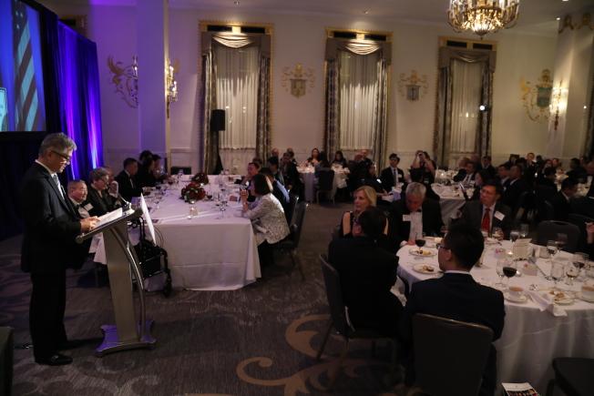 美中政策基金會舉行成立23周年年會,近200名政商學傳媒界來賓與會。(記者羅曉媛/攝影)