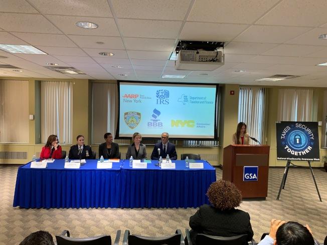 國稅局6日在曼哈頓聯邦大廈舉辦記者會,公布今年假日購物季和報稅季保護個人財務信息安全的措施。(記者和釗宇/攝影)