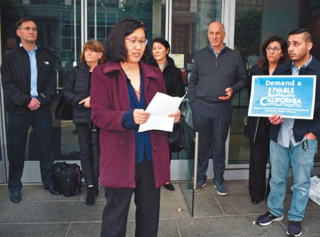 趙良方等人至舊金山,反對SB50法案的提出。(趙良方提供)