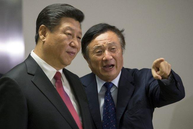 華為財務長孟晚舟在加拿大被捕,任正非(右)之前的「亡國奴」說引發關注,圖為任正非與習近平。(路透資料照片)