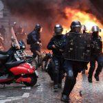 Q&A╱法國黃背心運動 鄉村怒火燒向巴黎