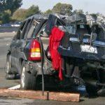 公路飛車…掉進金山灣 車主棄車而去
