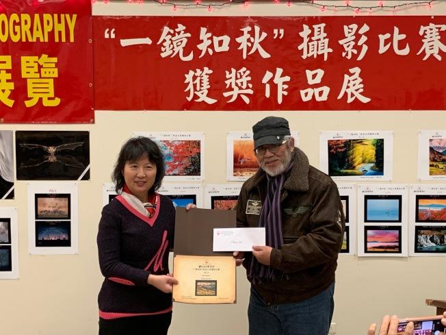 毛凌雲憑藉「義大利教堂3」獲得三等獎。(記者和釗宇/攝影)