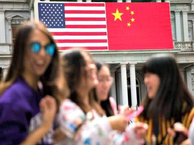 美國對中國大陸的貿易赤字也持續擴大。美聯社