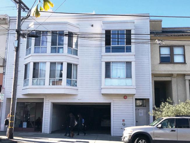 位於列治文區新華埠第九街的兩座散房公寓,共可提供16個可負擔公寓單位。(記者李秀蘭/攝影)