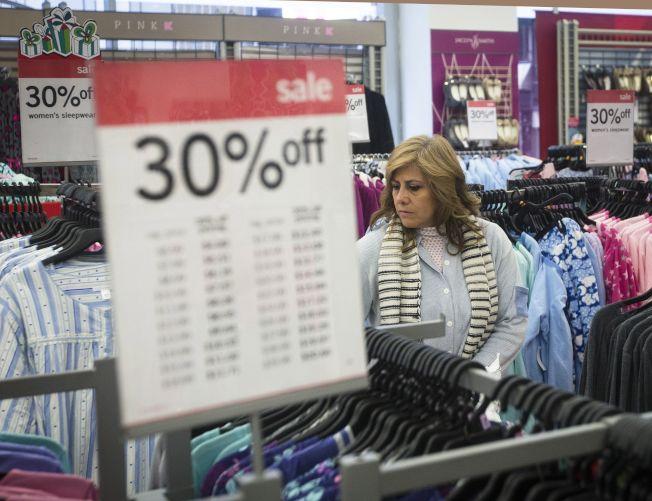 零售商祭出折扣優惠是吸引顧客上門的常用招數。美聯社