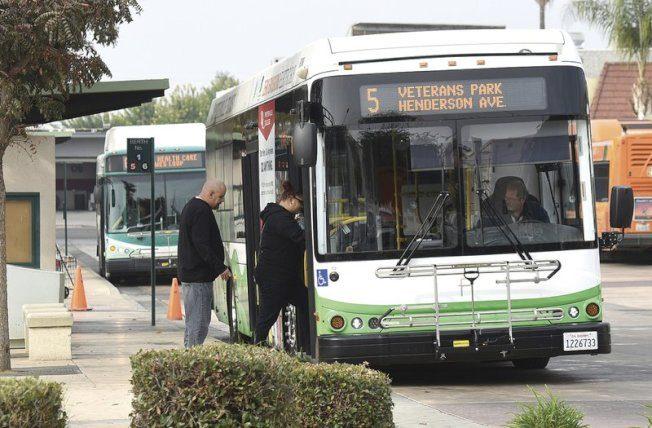 領先全美  加州2029年新公車零碳排放