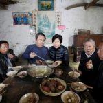 中國首富回老家 捐6.5億 每戶再發3000元