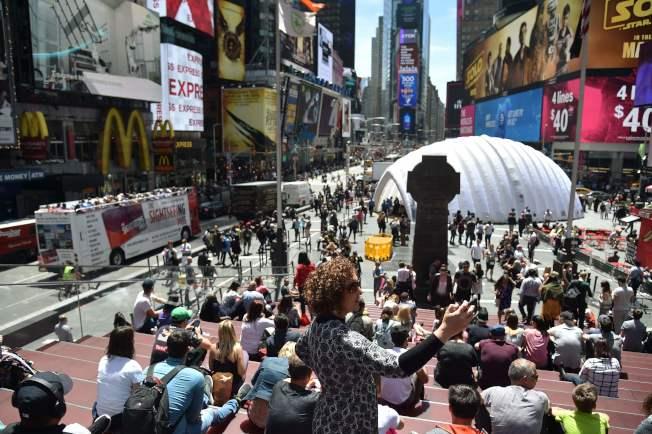 紐約時報廣場是中國遊客必去的景點,但現在少見中國遊客。(Getty Images)
