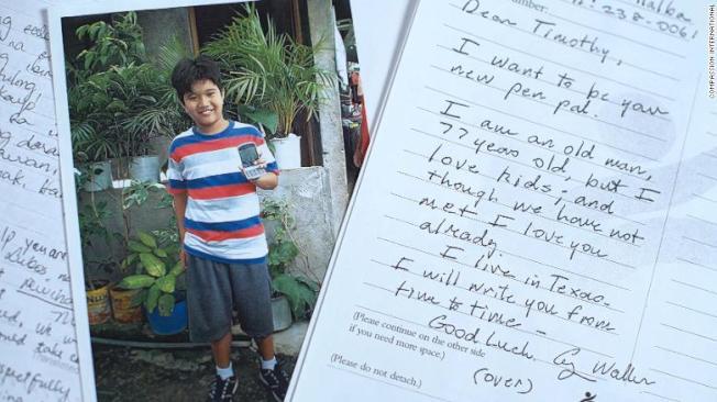 老布希寫給菲國男童提莫西的親筆信。(翻攝美國有線電視新聞網)