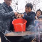 江西農村校長兼當廚子 天天為全校25留守兒童加餐