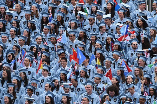越來越多美國家長不願為兒女付大學學費。(Getty Images)