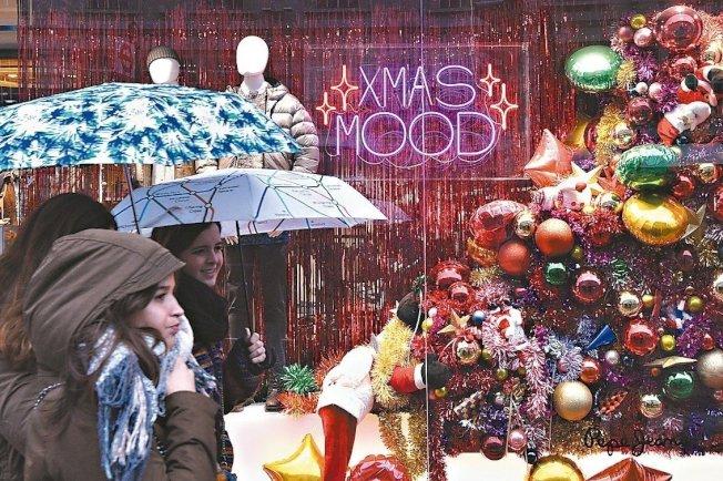 美國零售商迎來近幾年中最強勁的假日購物季,銷售較去年同期成長5.2%。 歐新社
