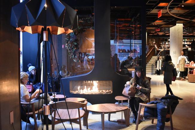 全店的室內設計打造溫暖風格。(記者顏嘉瑩/攝影)