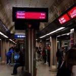 兩華人芝捷運站遭50名青少年圍毆  華男被打到眼窩骨裂