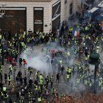 「黃背心」示威蔓延   法出動裝甲車圍城   巴黎陷危城