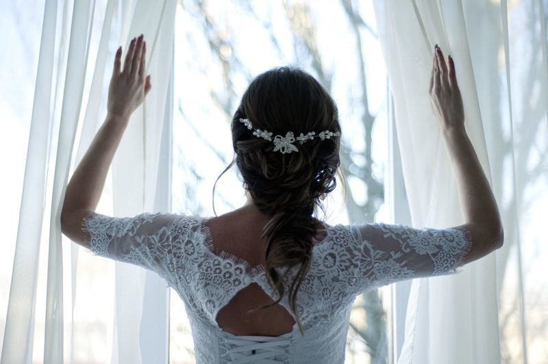 面對自己的婚禮時,平日再和善可親的女孩都可能性格大轉彎變得六親不認。photo credit: pixie.com