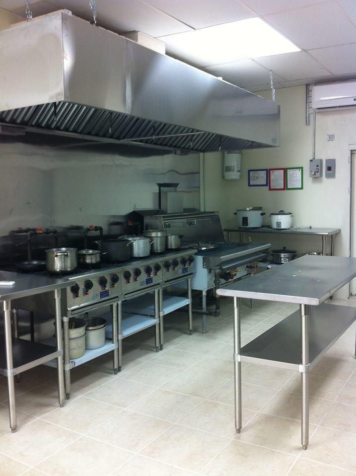 完全開放式自營廚房