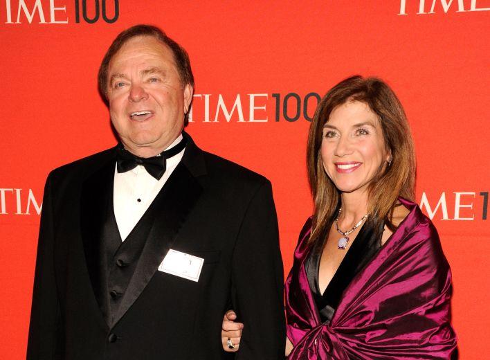 2012年美国石油企业大陆资源公司执行长哈姆与他现任妻子Sue Ann Hamm出席活动。(Getty Images)