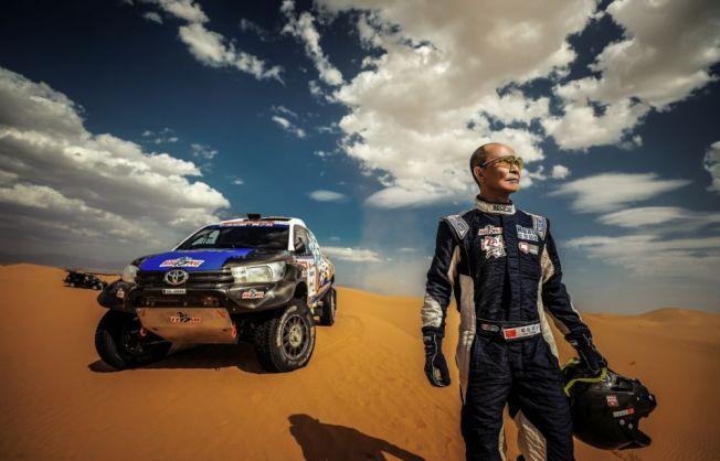 梁鈺祥酷愛征戰沙漠、戈壁的刺激感。(取材自微博)