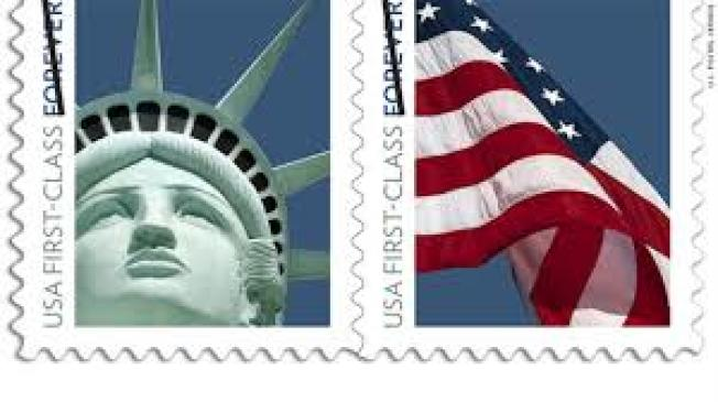 美國郵局發行的自由女神像郵票。(CNN)