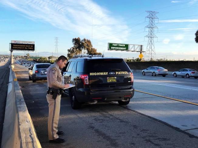 加州2019年諸多交通新法上路,民眾了解新規同時也應謹遵安全駕駛。(CHP提供)
