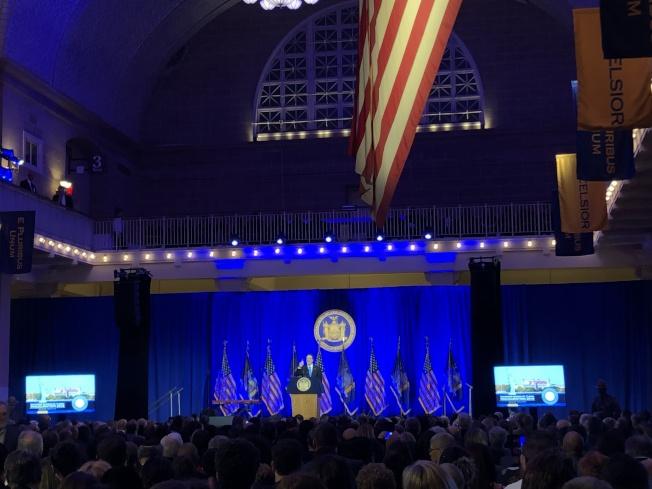 州長葛謨第三任就職典禮在艾利斯島舉行。(記者金春香/攝影)