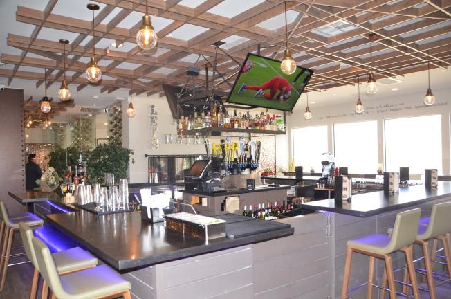 餐廳酒吧。(記者王全秀子╱攝影)