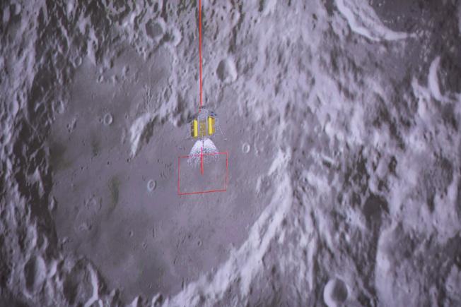嫦娥四號降落連續示意圖4