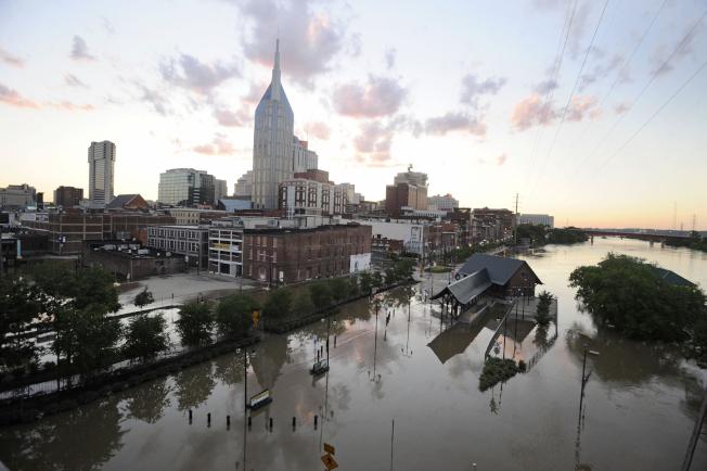 2010年5月發生歷來最大洪災,兩天之內降下13吋雨,讓當地頓成水鄉澤國,也釀成巨災。(Getty Images)