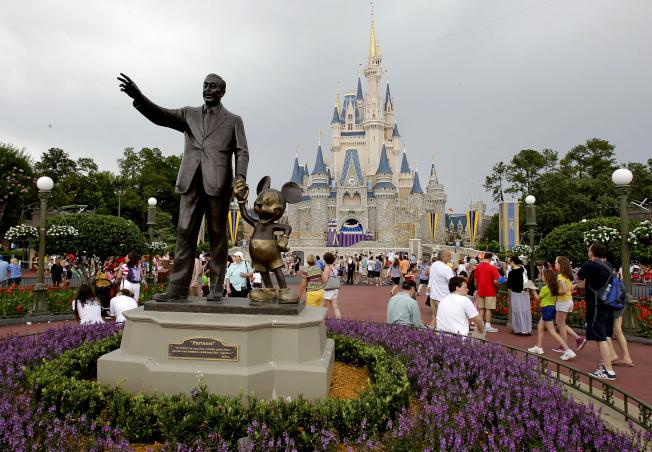 佛州迪士尼世界的白金通票去年連漲兩次。  美聯社