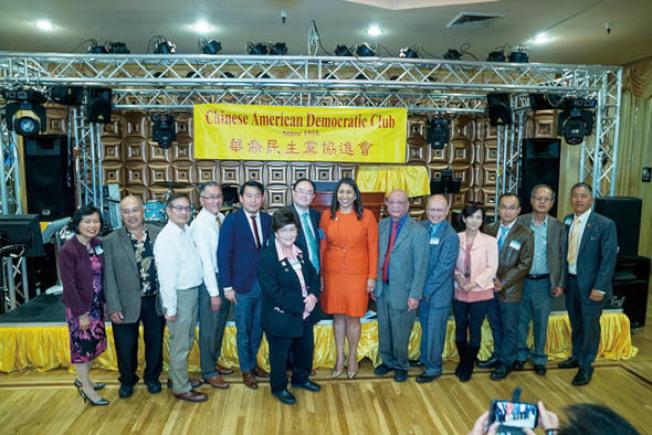 訪民主黨協進會(照片由市長辦公室提供)